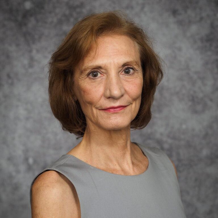 Headshot of Lynne Baker-Ward