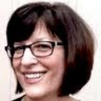 headshot of Barbara Zelter