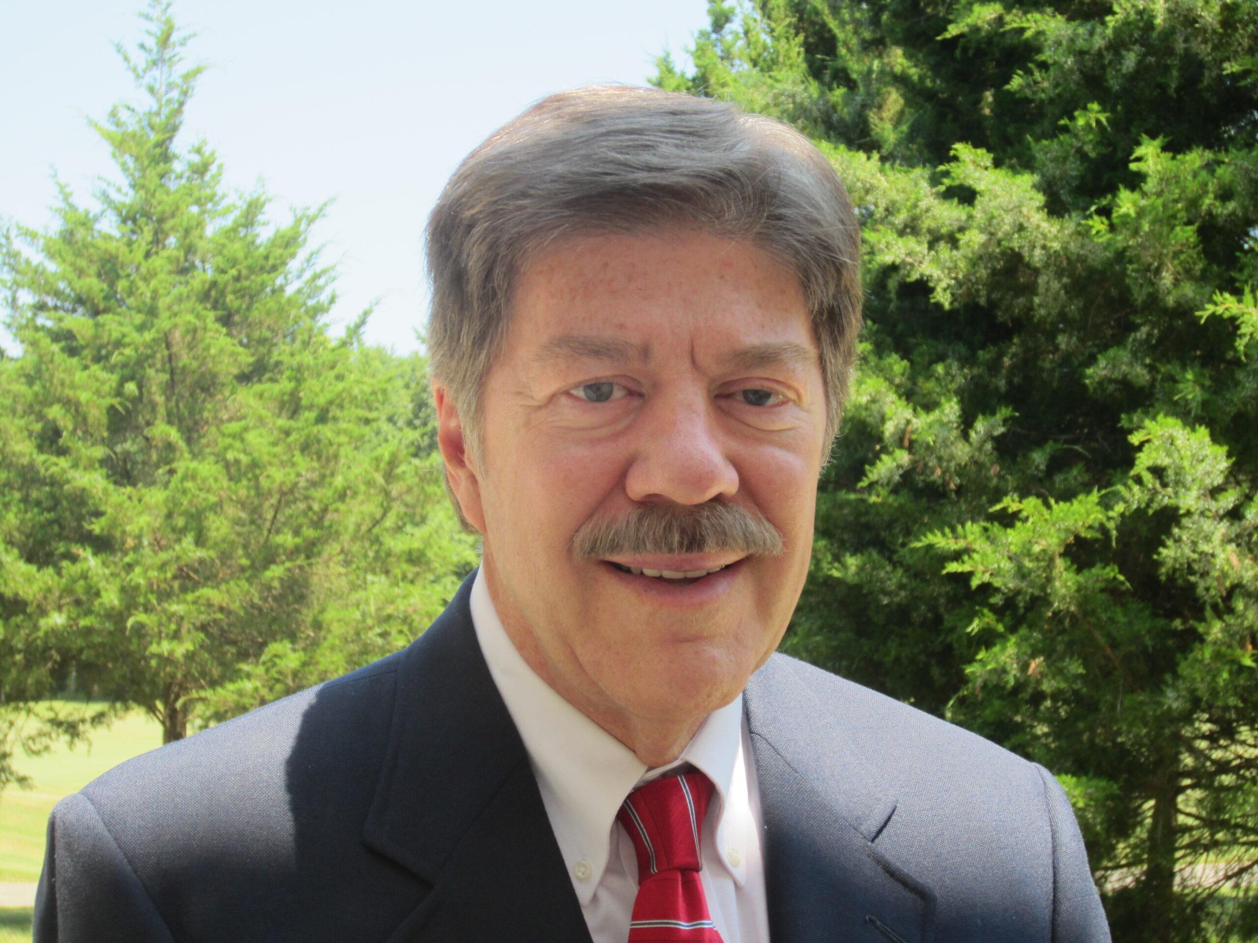 Headshot of Bob Larson