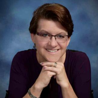 Headshot of Laura Kelly