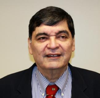 Headshot of Leonardo Villa-Garcia