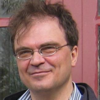 Headshot of Lutz Kube