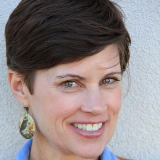 headshot of Michelle Hodges Guarino