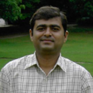 Headshot of Vijay Tailor