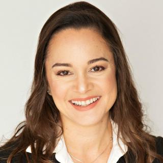 headshot of adriana de souza e silva