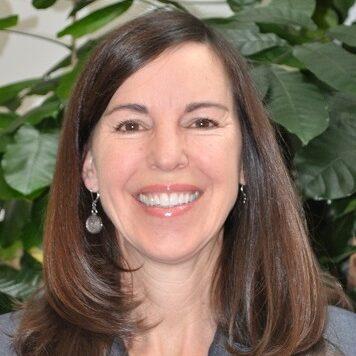 Headshot of Elizabeth Benefield